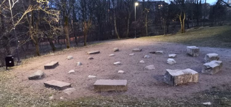 Discovering a labyrinth at Urheilupuisto Park, Turku (part 1)