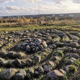 Labyrinth at Luolauoren kukkula,